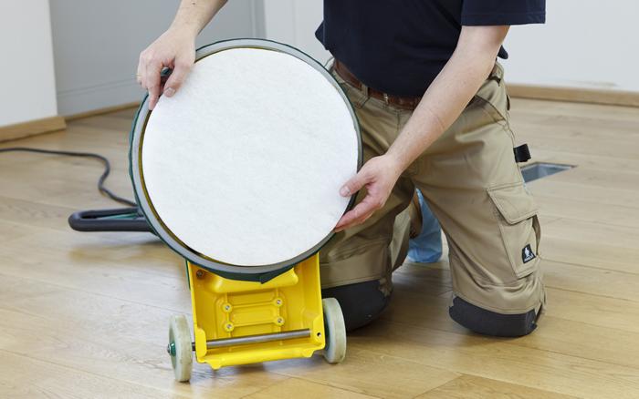 Holzbodenrenovierung_Polieren
